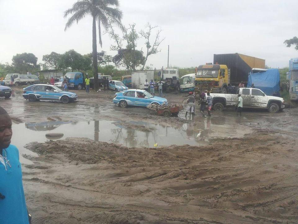 Une partie de l'avenue Marien-Ngouabi en très mauvais état / Adiac