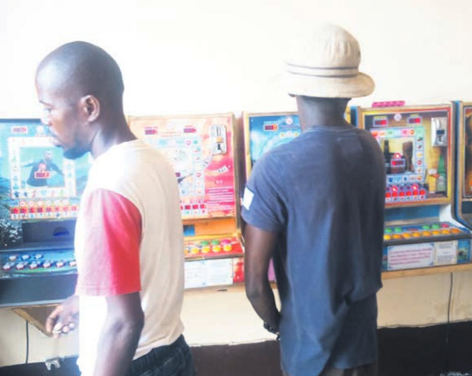Congo : des machines à sous qui font perdre la tête aux enfants