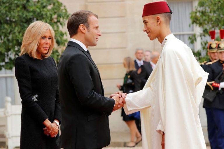 Le Prince Moulay EL Hassan du Maroc avec Emmanuel et Brigitte Macron à Paris, le 30 septembre 2019 © Reuters