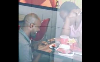 Moqué pour avoir fait sa demande en mariage au KFC, les plus grandes marques lui offrent un mariage grandiose