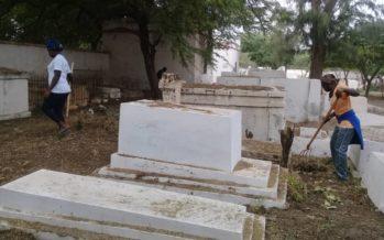 La famille du défunt refuse que sa veuve soit enterrée près de lui pour infidélité