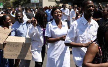 Un milliardaire paie les médecins du Zimbabwe pour qu'ils reprennent le travail