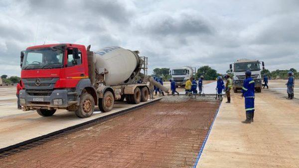 Travaux de réhabilitation de la voirie à Kasumbalesa.