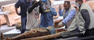 Les momies seront présentées individuellement dans leur sarcophage (illustration). © Ahmed Gomaa/XINHUA-REA / XINHUA-REA / Ahmed Gomaa/XINHUA-REA